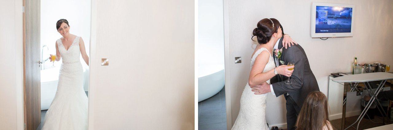 father sees his bride daughter for the first time