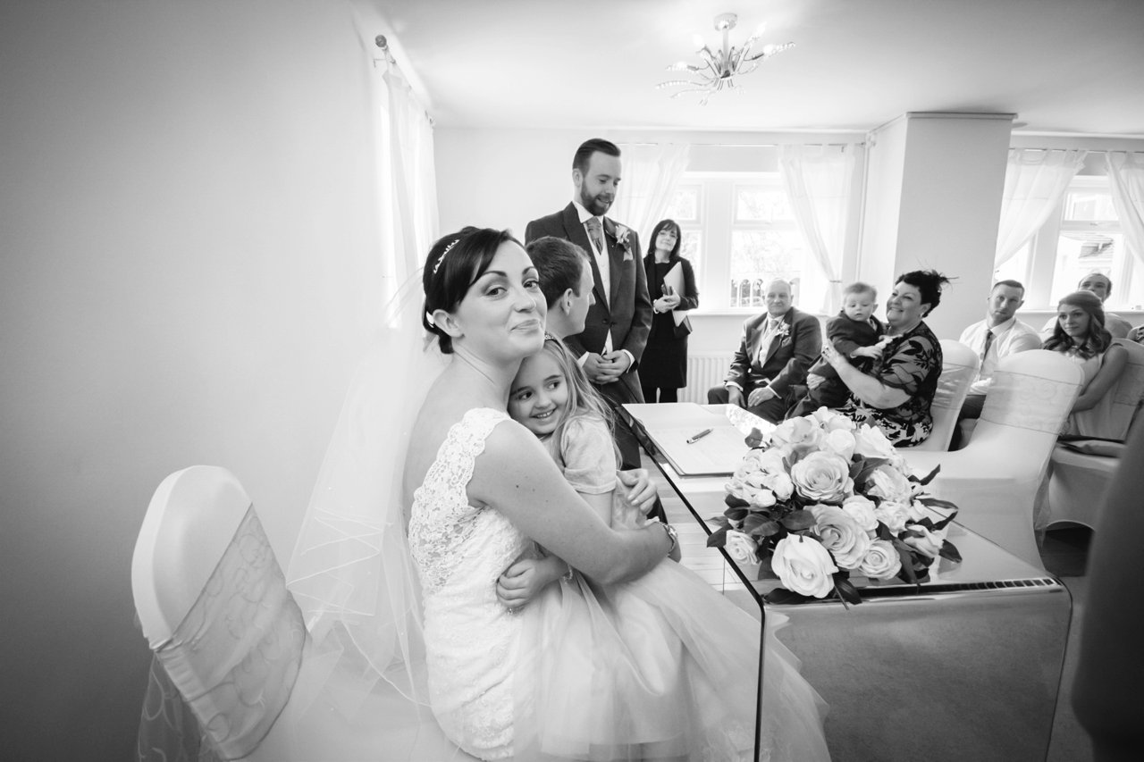 bride with her young daughter