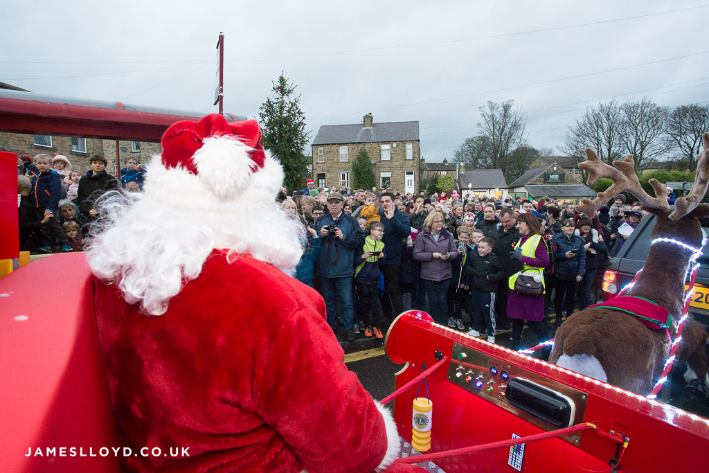 Father Christmas arrives in Skelmanthorpe